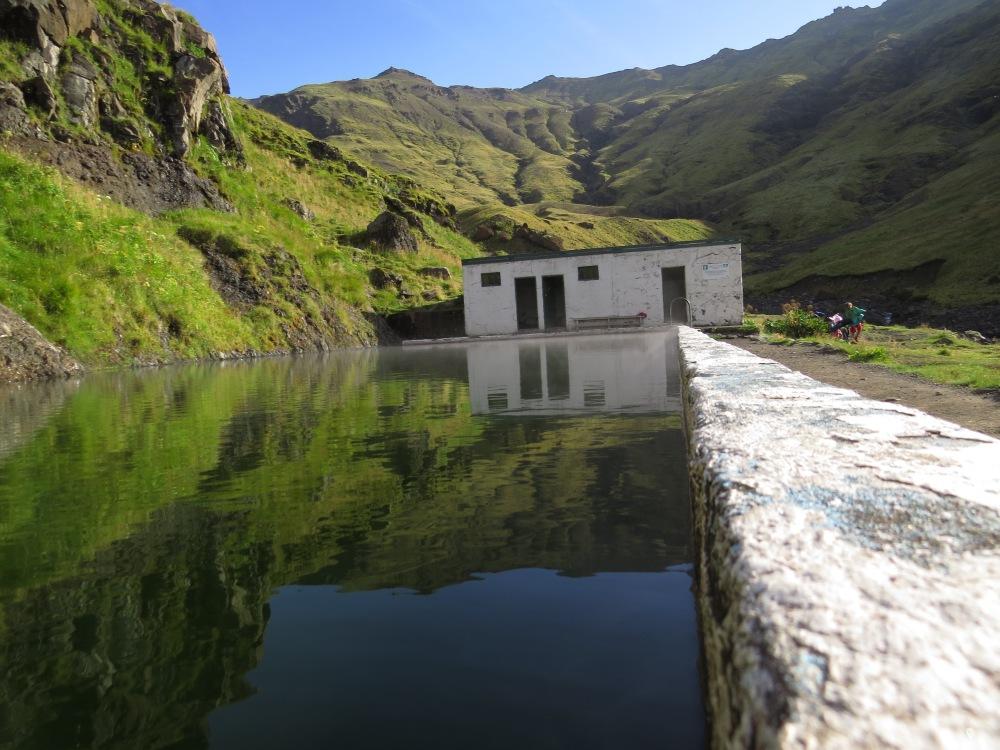 Seljalandsfoss pool