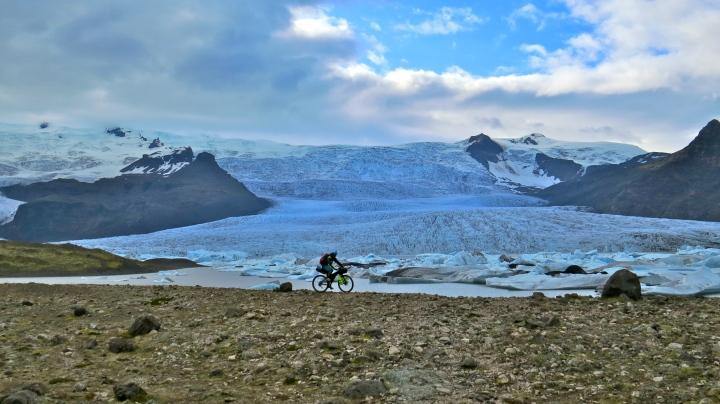 Fjallsarlon glacial lagoon