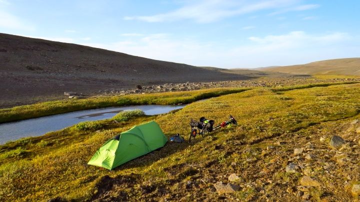 A little patch of green on the edge of the plateau, and the last sunny evening for a while.