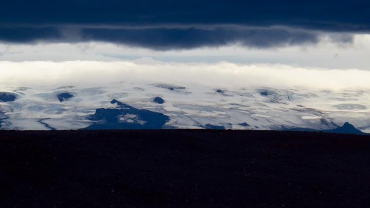 Imminent weather over Hofsjökull.